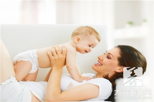 三个月宝宝不能竖头抱吗?-第3张