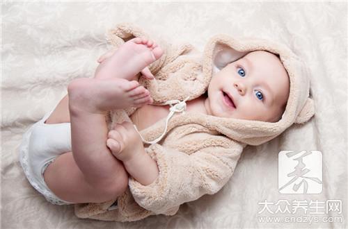 六个月宝宝应该补什么?
