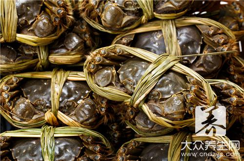 酱焖河蟹的做法