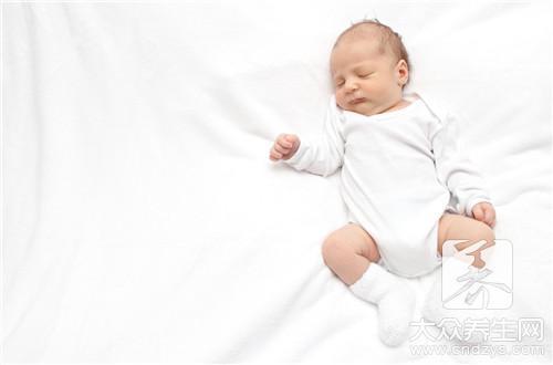 刚出生宝宝一天尿几次